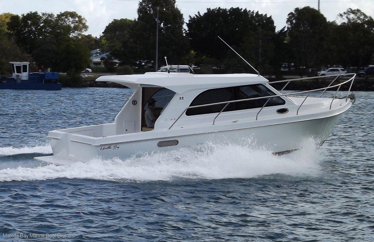 Matilda Bay 32 Sedan, Flybridge, Charter, Fishing