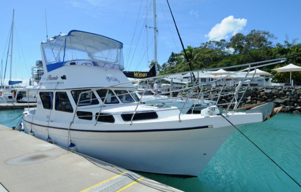 Resort 35 Flybridge Cruiser