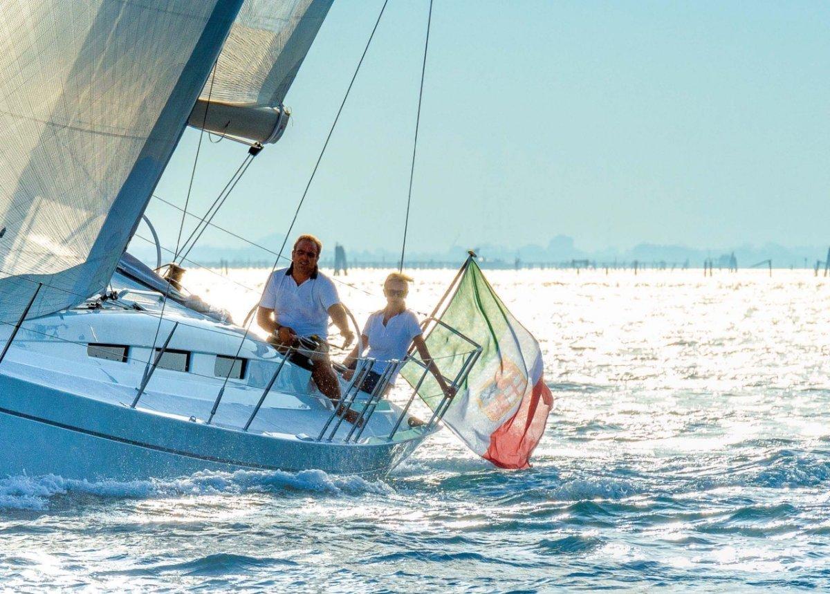 Italia Yachts IY 12.98