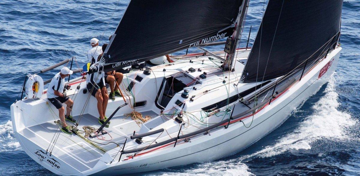 Italia Yachts IY 9.98 Fuoriserie