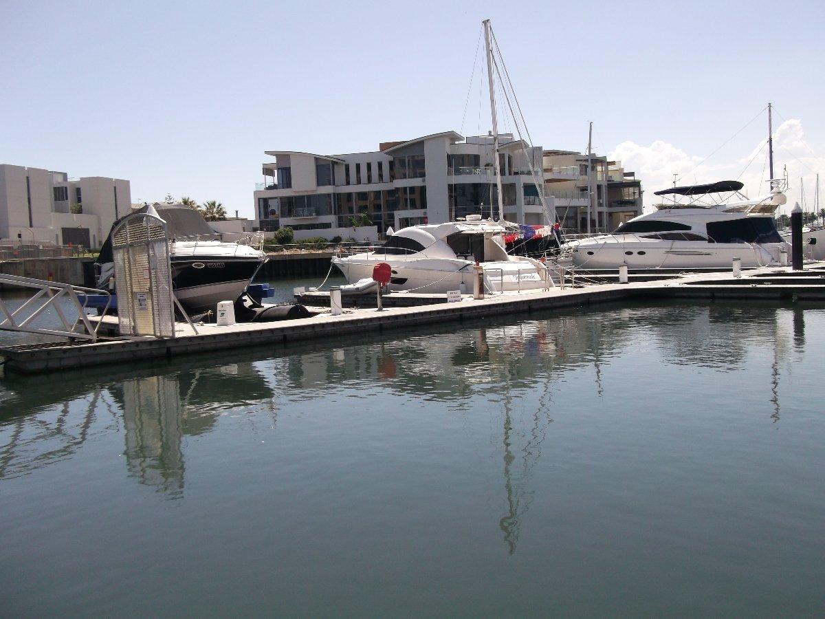 13meter Glenelg Marina East
