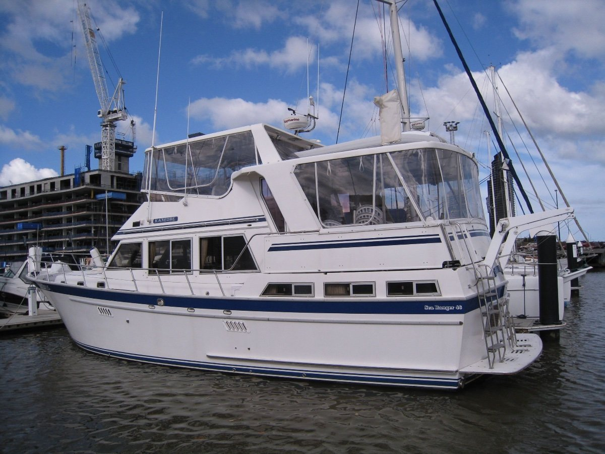 Sea Ranger 46 Flybridge Cruiser The perfect live aboard