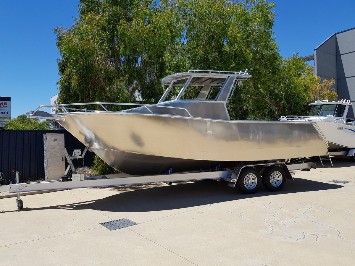 new oceanic fabrication 7 5 center cabin  trailer boats