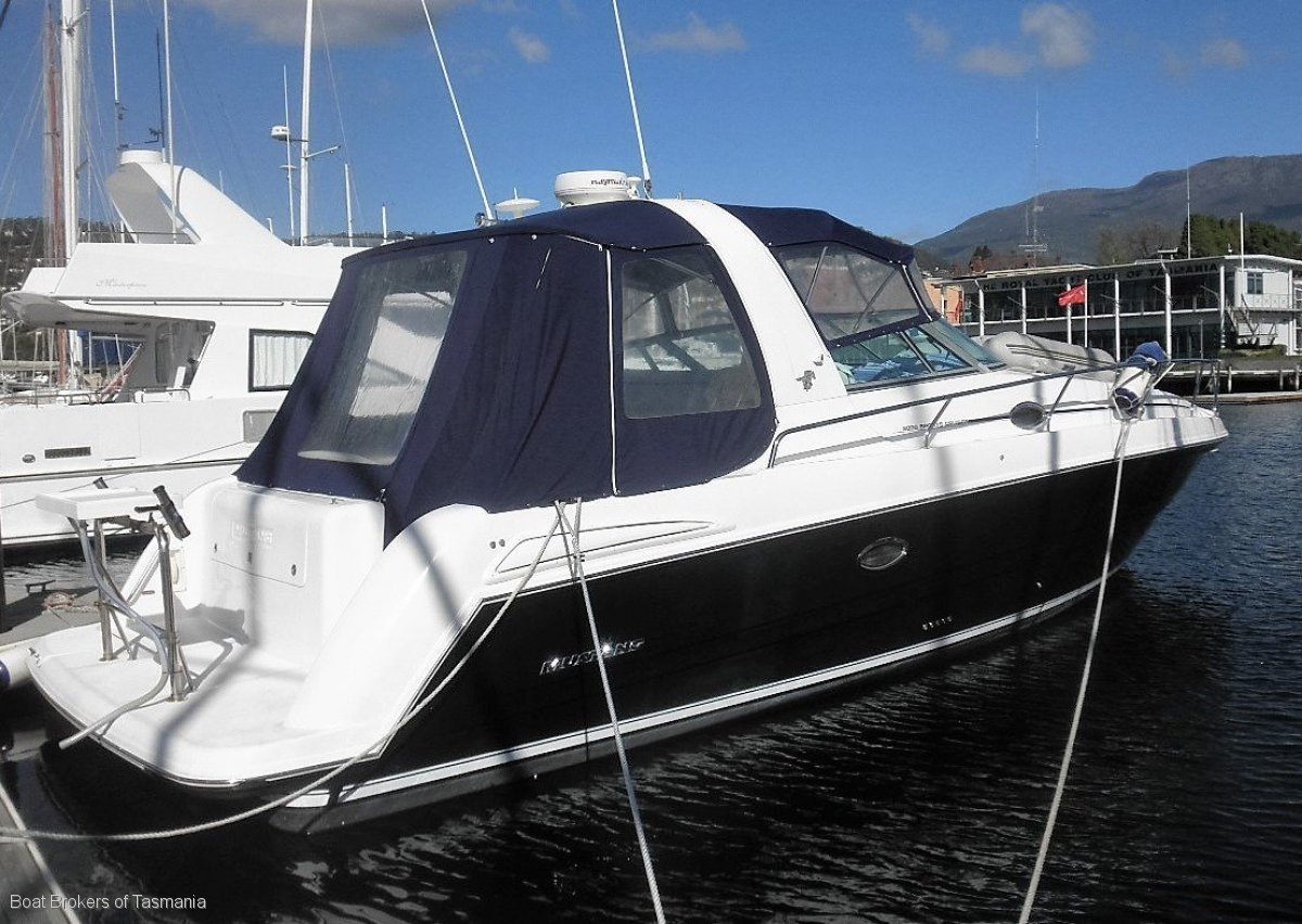 Mustang 3800 Sportscruiser with generator and bowthruster