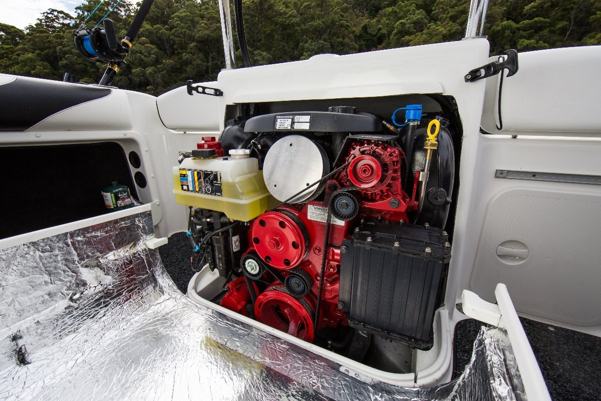 Whittley SL 22 SD + Volvo V6-200-G 200hp Sterndrive