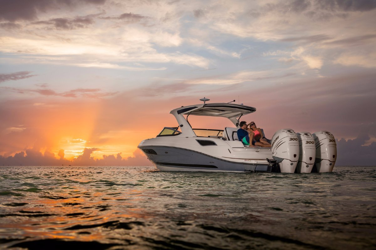 Sea Ray 350 SLX Outboard Bowrider