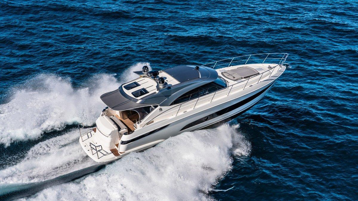 Riviera 4800 Sport Yacht Series II Platinum Edition