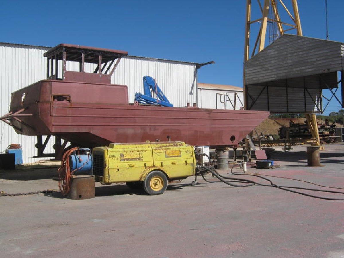 12m Multi Purpose Scissor Barge