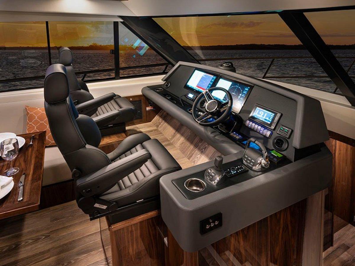 Riviera 545 SUV