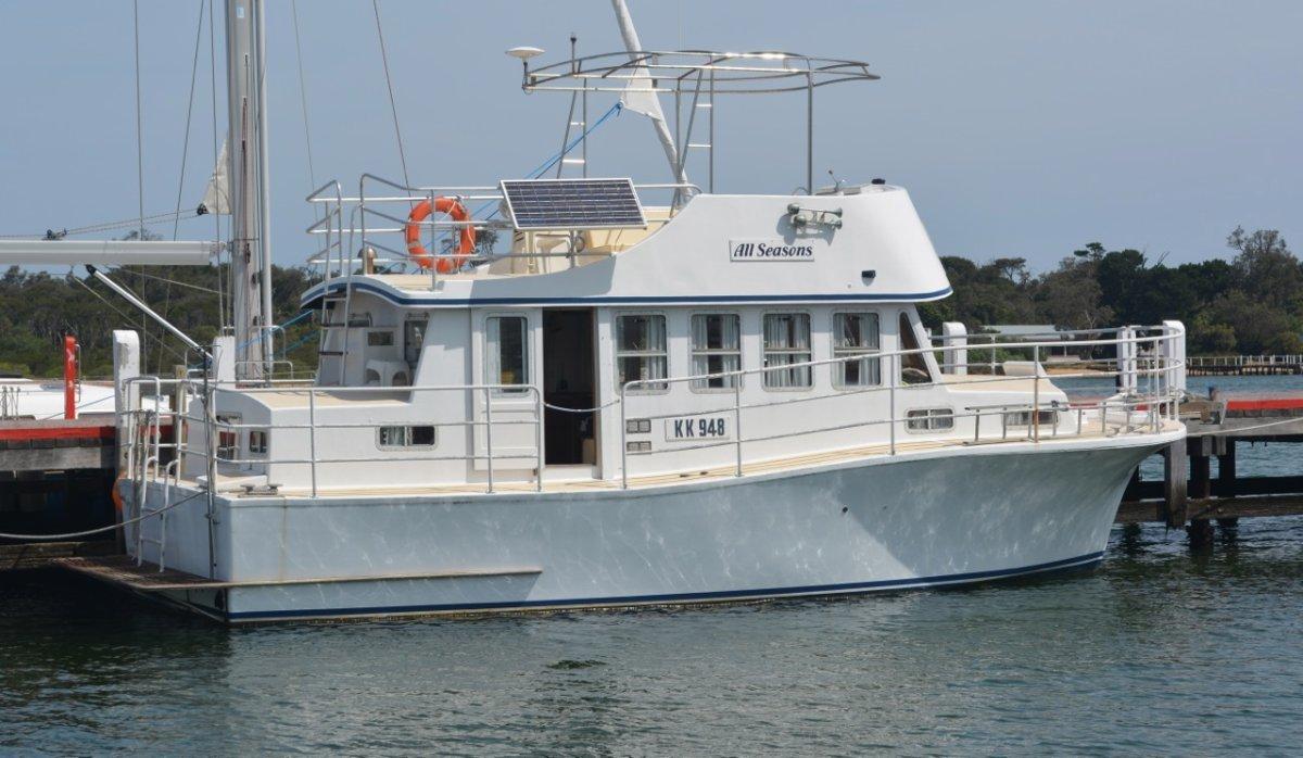 All Seasons 34' Flybridge Cruiser