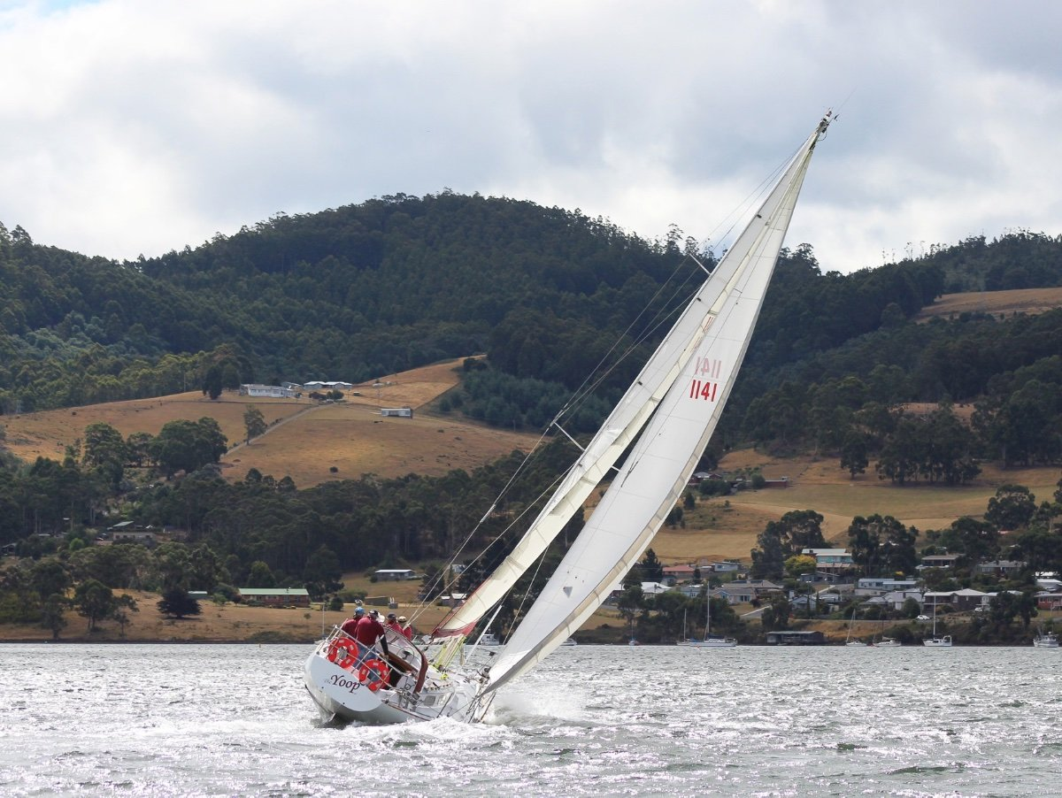 Miller And Whitworth Ex Sydney to Hobart:On the sea breeze