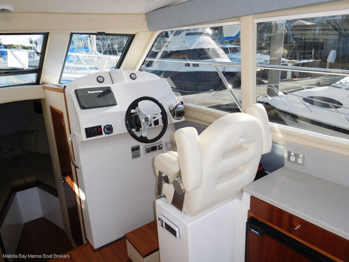 Matilda Bay 32 OBX - TWIN OUTBOARD VERSION
