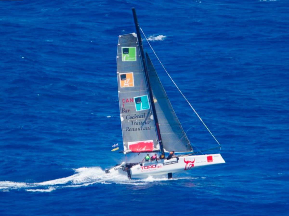 Toro 34S Catamaran