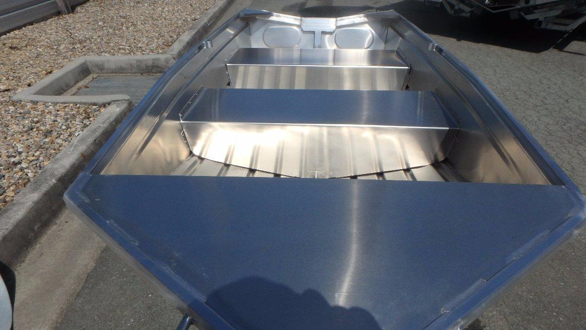 Stacer 320 Skimma Short Shaft Hull Only