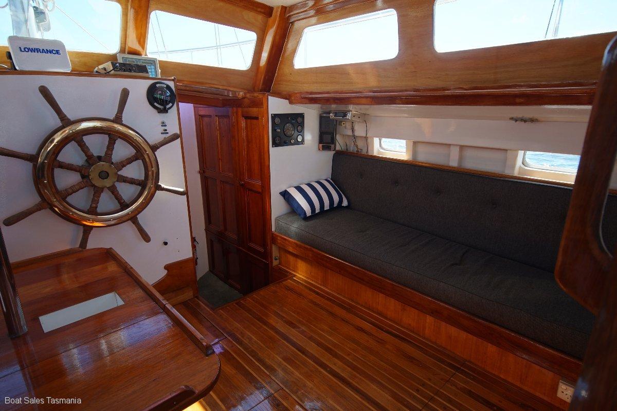 "Pilothouse Cruising Yacht ""Suzanna"""