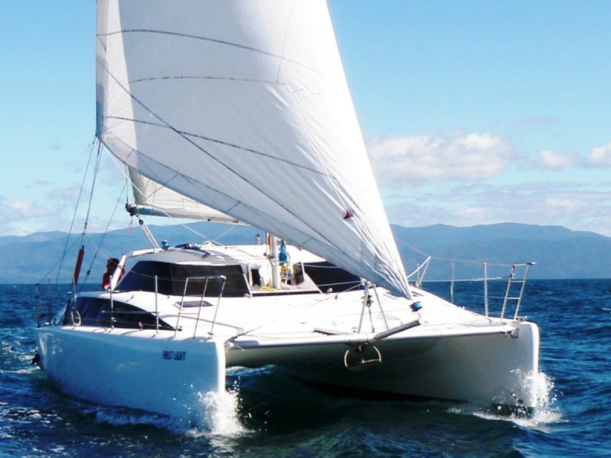 Lightwave L35 Catamaran