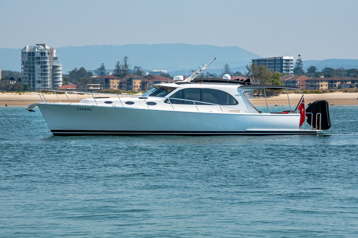 Palm Beach Motor Yachts 42