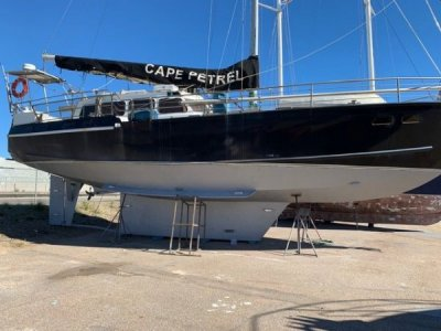 Bruce Roberts 53 LOA 59' CUSTOM- Click for more info...