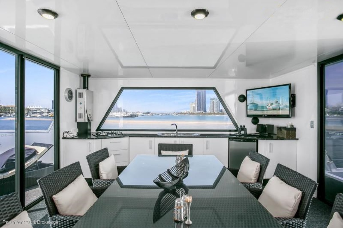 UNIQUE MODERN OPEN PLAN CUSTOM HOUSE BOAT