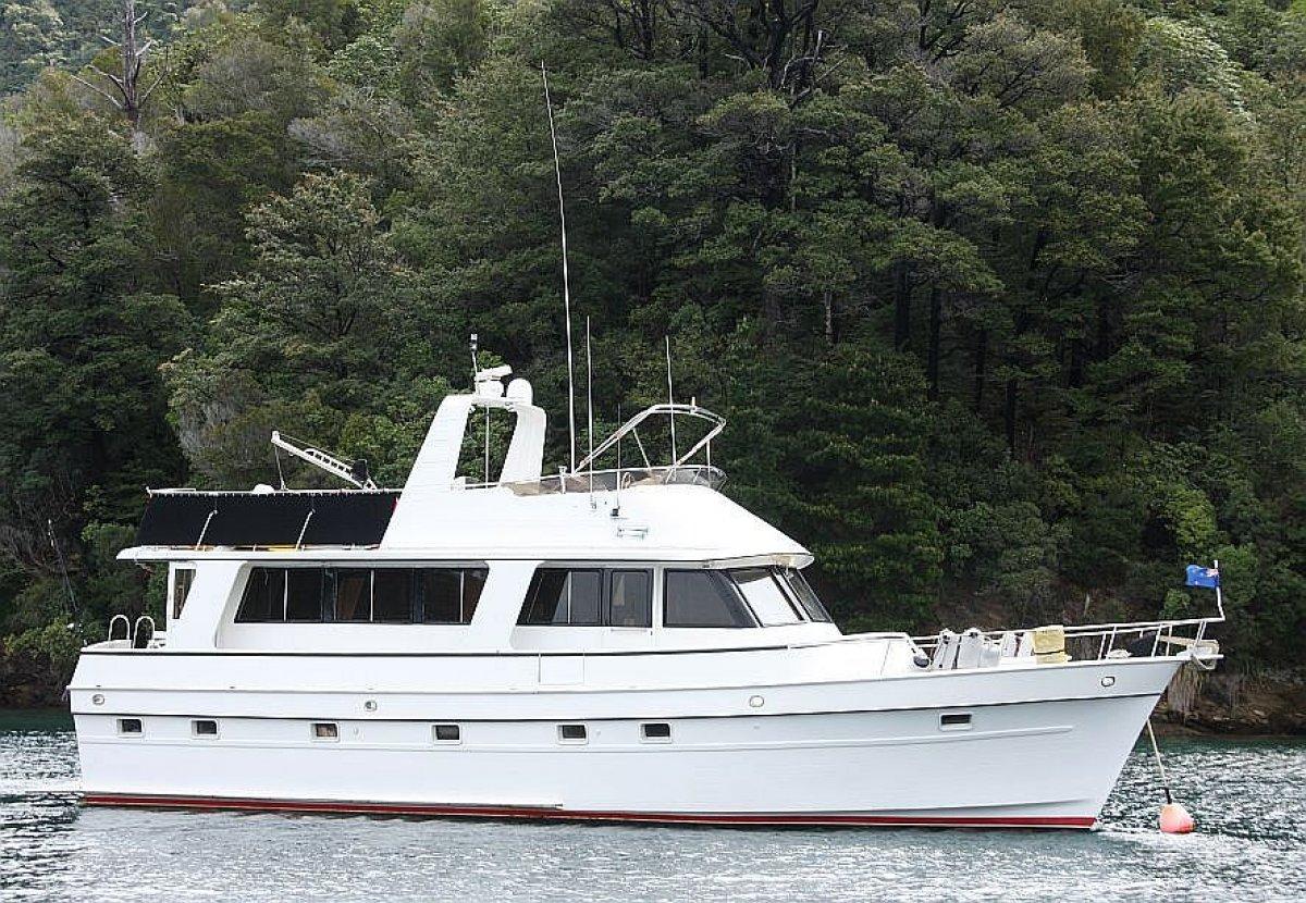 Marine Trader 53
