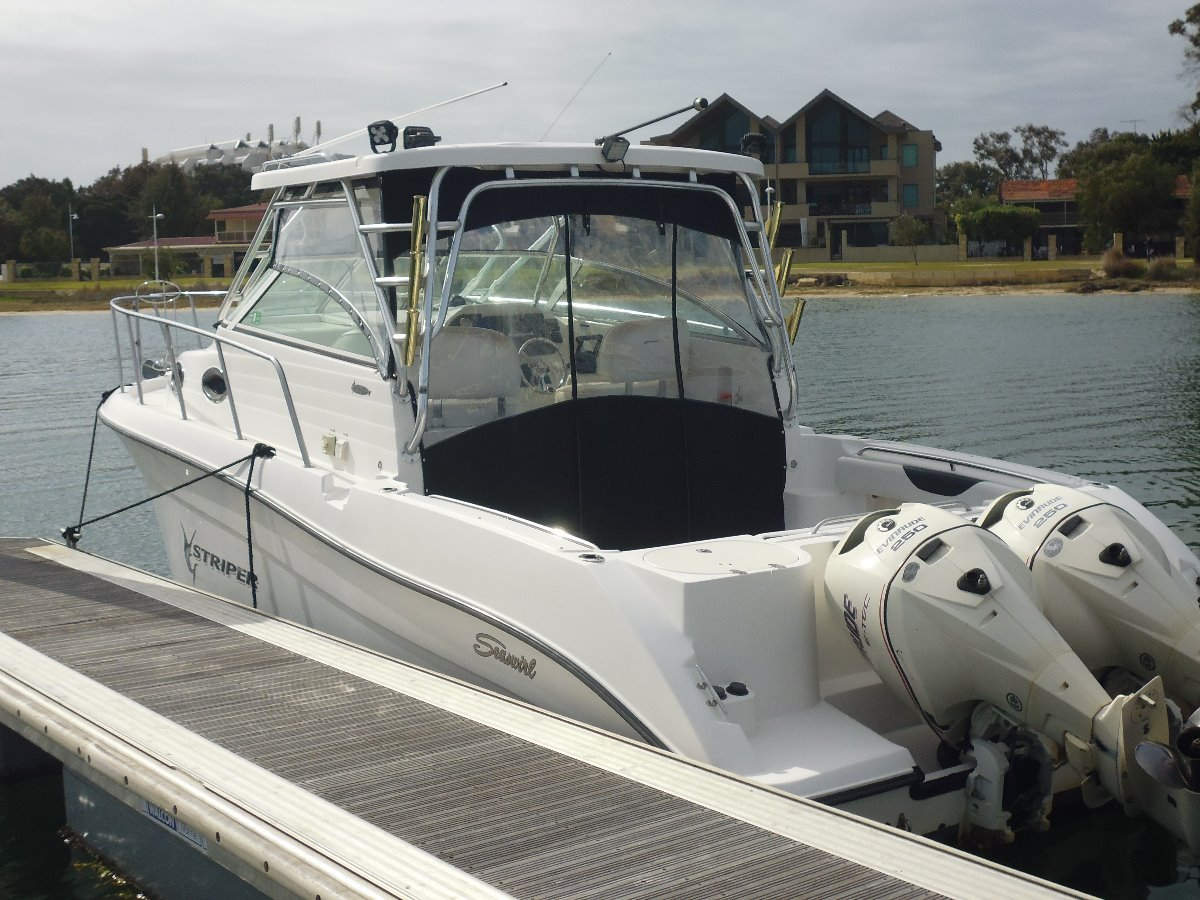 Seaswirl Striper 29 ft