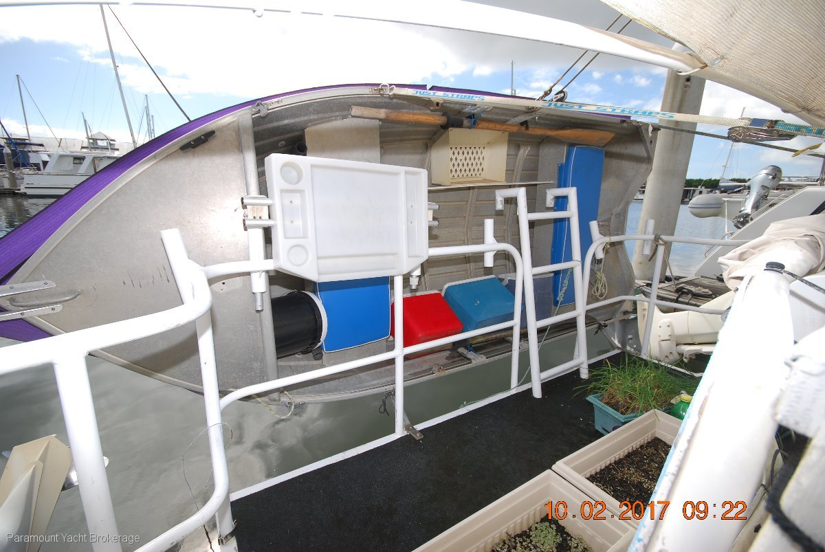 Samson Great house boat with loads of potential