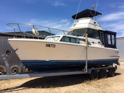 Mariner 26 Flybridge Cruiser