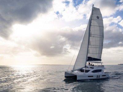 Leopard Catamarans 58