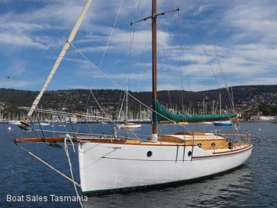 "Custom 1902 30ft timber sloop ""Whimbrel"""