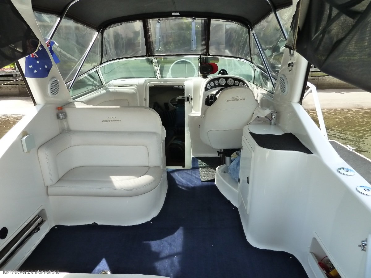 Mustang 2800 Series 3 Sports Cruiser