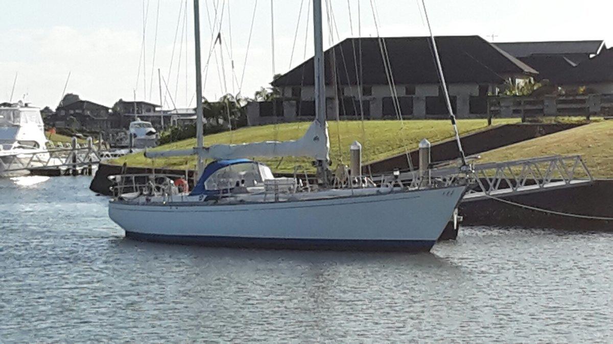 Kauffman & Ladd Cruising Yacht
