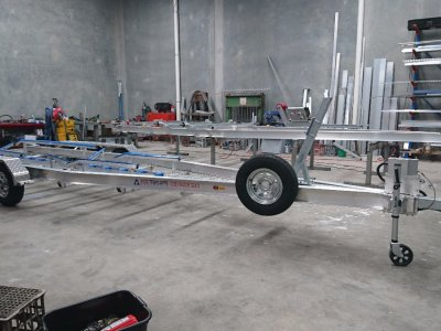 Triaxle Aluminium Trailer with Skids and Centre Roller Channel