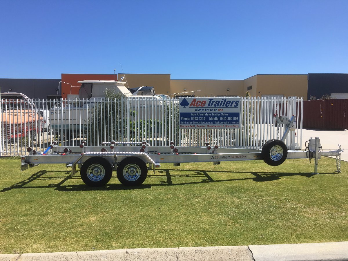 Tandem Axle Aluminium Boat Trailer with Wobble Roller Set-up