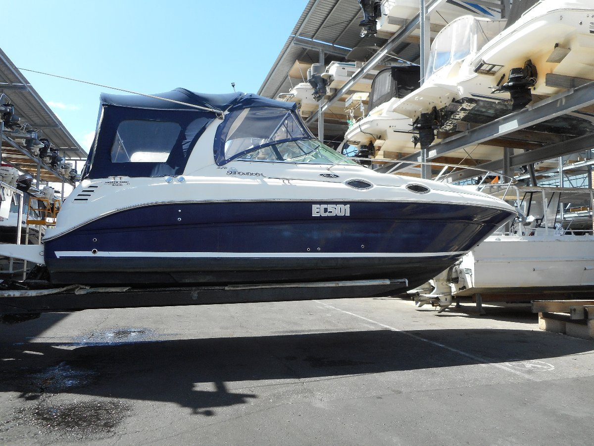 Sea Ray 275 New manifolds and full engine service for summer18
