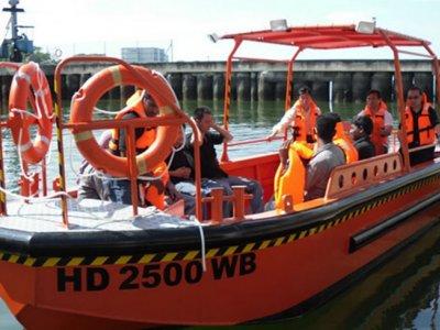 Five AB&E Centurion 26 Dive Support Boat