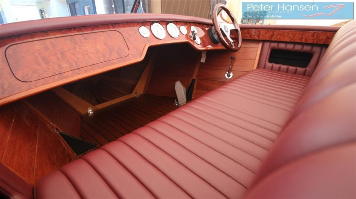 Hankinson Tahoe 19 Mohogany Classic Runabout