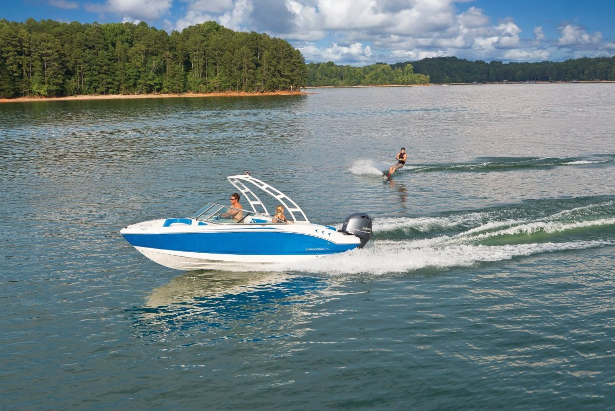 Chaparral H20 21 Outboard Bowrider