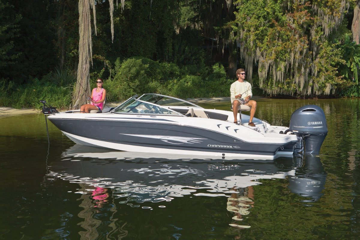 New chaparral h2o 21 ski fish outboard trailer boats for Fishing boat cost