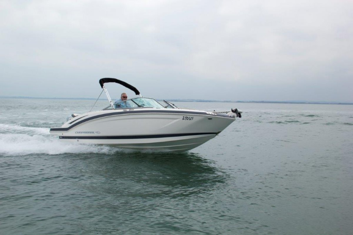 Chaparral 210 Suncoast Ski-Fish Outboard