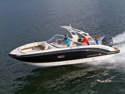 Chaparral 250 Suncoast outboard bowrider