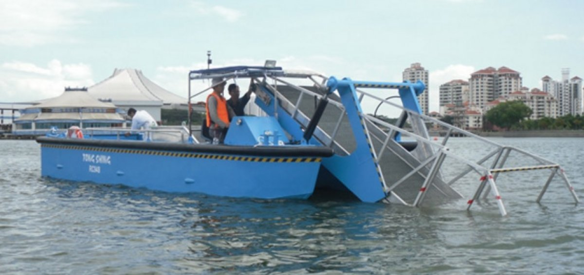 Five AB&E Scavenger 30 Aquatic Master with Conveyor