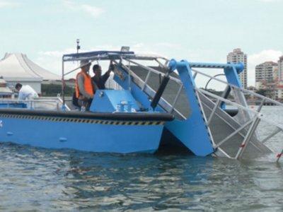 Five AB&E Scavenger 30 Aquatic Master with Conveyor