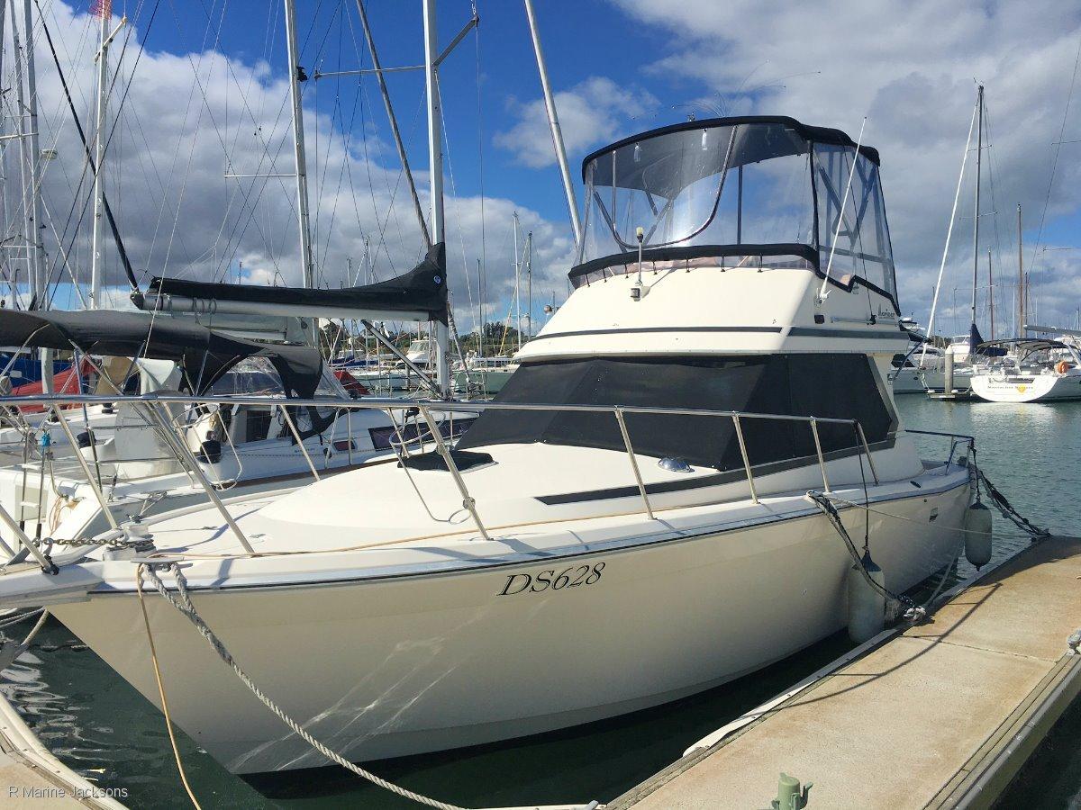 Mariner 2800 Flybridge Boat Brokers of Tasmania