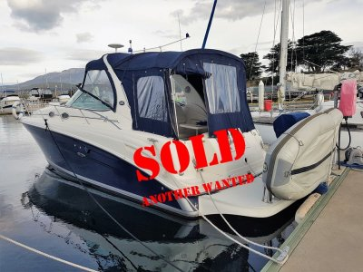 Sea Ray 335 Sundancer Bow and stern thrusters, genset and low hours too.