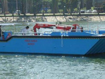 Five AB&E Scavenger 40 Aquatic Loadmaster