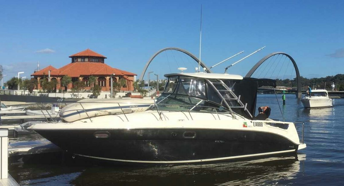 Sea Ray 315 Amberjack 2008 AND LIKE NEW CONDITION !