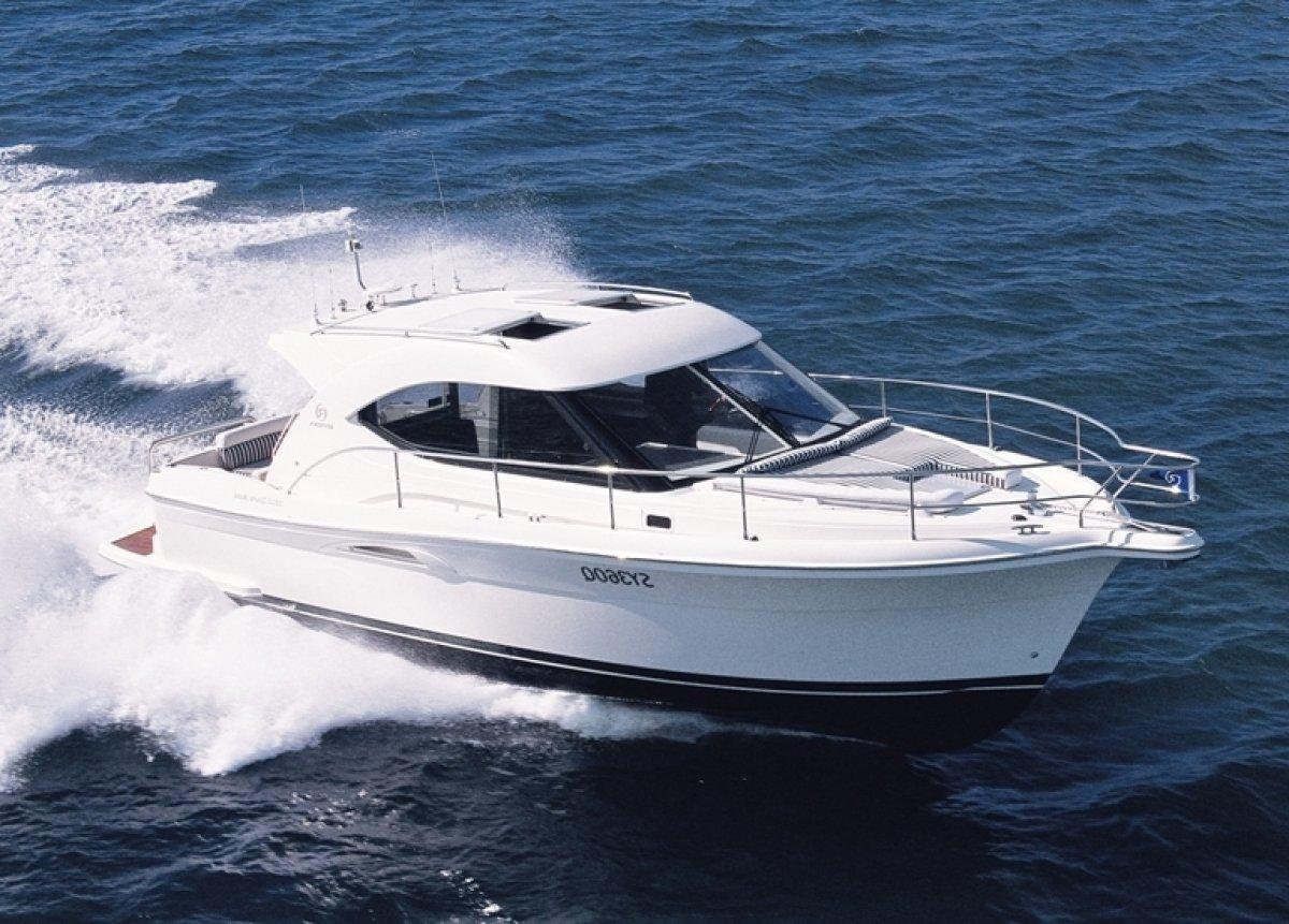 Riviera 3600 Sport Yacht Series 11:GENERIC PHOTO