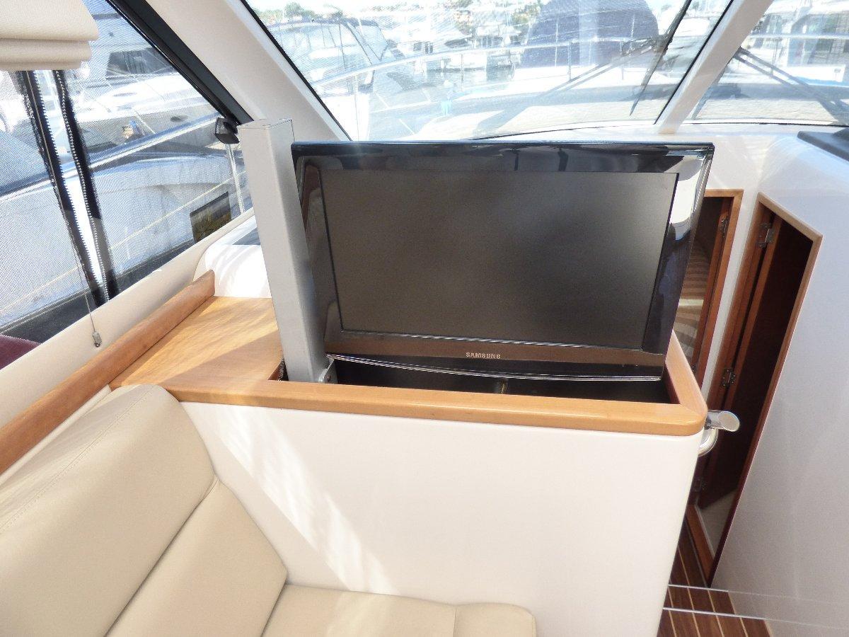 Riviera 3600 Sport Yacht Series 11