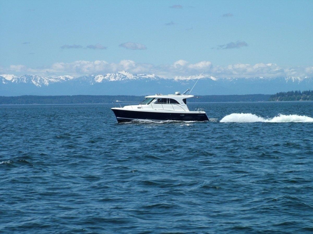 Aspen Power Catamaran C90