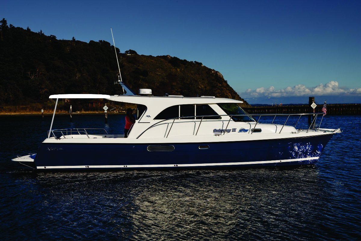 New Aspen Power Catamaran C100 C32 Escape:C105 Expedition